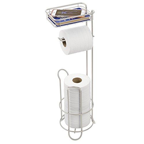 mDesign Toilettenpapierhalter stehend – Papierrollenhalter mit Ablage und für 2 Reserverollen – WC-Rollen Halter aus Metall für Badezimmer und Gäste WC – silber