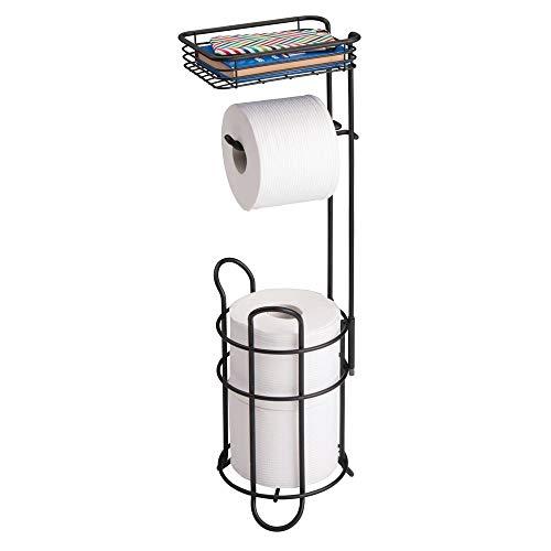 mDesign Toilettenpapierhalter – eleganter Papierrollenhalter aus Metall – WC-Rollen-Halter mit Regal – praktische Aufbewahrung fürs Badezimmer – mattschwarz